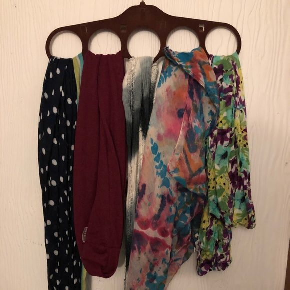 Accessories - Scarves and holder